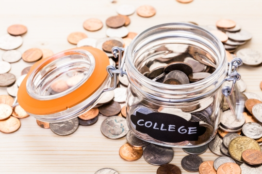 six-money-management-tips-to-save-for-college